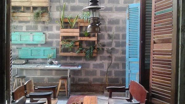 Trà Vinh : Độc đáo quán cafe vừa uống cafe, vừa sống lại thời bao cấp