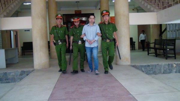 Tòa án nhân dân tỉnh Trà Vinh tuyên án vụ nguyên Trưởng phòng giao dịch Ngân hàng Sacombank chi nhánh huyện Tiểu Cần, về tội lừa đảo, chiếm đoạt tài sản