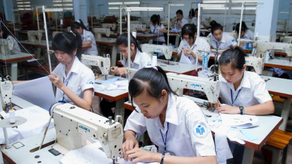 Tỉnh Trà Vinh giúp người lao động nghèo có thêm việc làm