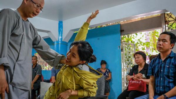 Ngôi chùa 40 năm chữa xương khớp miễn phí cho người nghèo