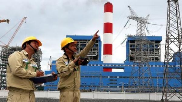 Trà Vinh: Phát tán ô nhiễm từ bụi than, khói thải tại TT Điện lực Duyên Hải