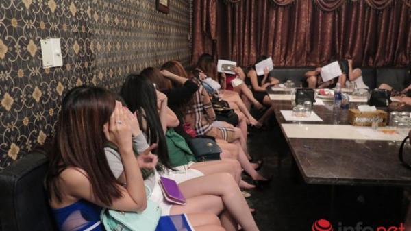 Nữ sinh viên bỏ học, dấn thân làm 'đào hát' karaoke gặp trái đắng