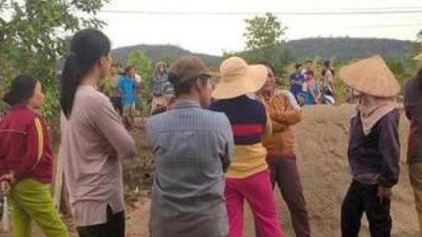 KINH HOÀNG: Ba người đi chăn bò bị sét đánh t.hương vong