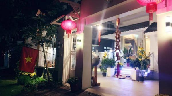 Biệt thự triệu đô ven sông Sài Gòn với vườn rau xanh ngắt rộng đến 100m² của cặp vợ chồng hot nhất showbiz Việt: Thủy Tiên – Công Vinh