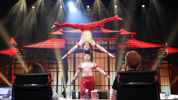 Độc quyền từ Anh: BTC Britain's Got Talent nhầm phông nền Trung Quốc, Quốc Cơ - Quốc Nghiệp kiên quyết đòi thay đổi, từ chối diễn