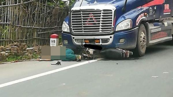 Chạy xe qua đường bất cẩn, người đàn ông trả giá quá đắt!