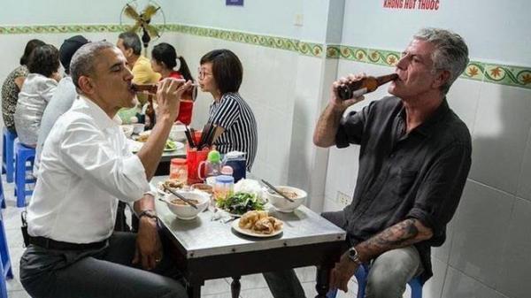 SỐC: Đầu bếp Mỹ ăn bún chả cùng ông Obama ở Hà Nội qua đời vì tự tử