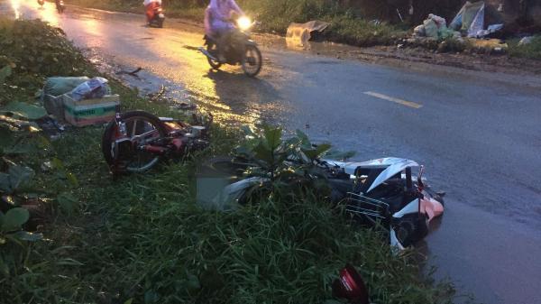 TP.HCM: 2 xe máy đấu đầu trong mưa, nam thanh niên tử vong tại chỗ