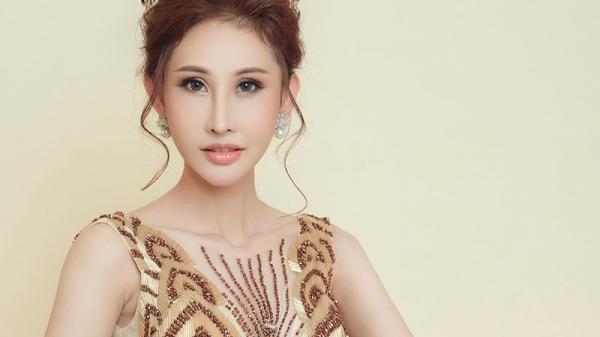 Chuyện đời cô gái miền Tây mồ côi đi thi hoa hậu châu Á