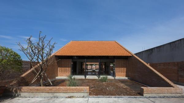 Nhìn bên ngoài như lò gạch, nhưng bên trong ngôi nhà này lại khiến bạn phải trầm trồ không ngớt