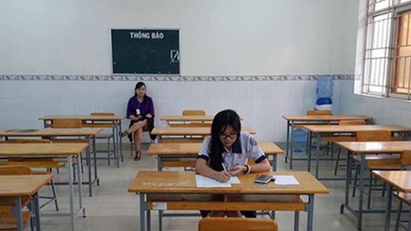 Trường thi ở Sài Gòn chỉ có 1 thí sinh, hơn 70 giám thị được nghỉ