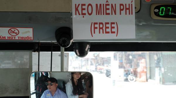 Bác tài xe buýt 54 và rổ tiền lẻ đầy tình người: Từ nhân viên ngân hàng đến bác tài dễ thương nhất Sài Gòn