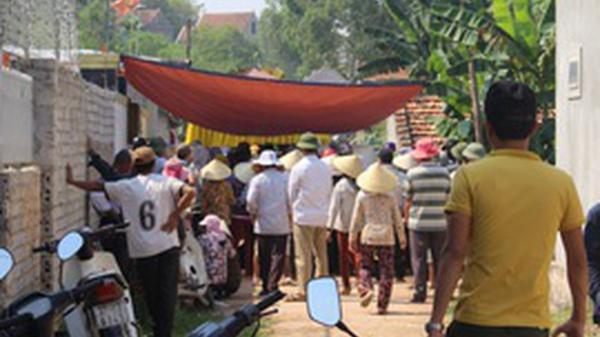 Trà Vinh: KINH HOÀNG Bị điện giật tử vong khi trộn bê tông