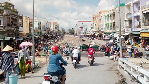 Vì sao tiểu thương thị xã Vĩnh Châu (Sóc Trăng) không mặn mà với chợ trung tâm