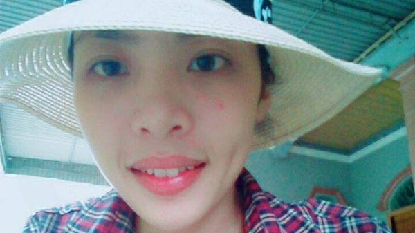 Nữ sinh Nghệ An đạt 9,75 điểm môn Ngữ Văn đi học 20km, ở nhờ 3 năm nhà cô giáo vì quá say mê Văn