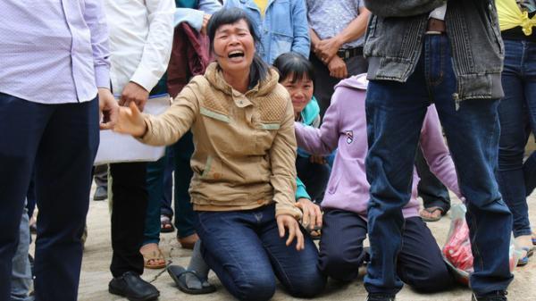 Người thân quỳ lạy khi tòa tuyên y án tử hình Đặng Văn Hiến vì nổ súng làm chết 3 người
