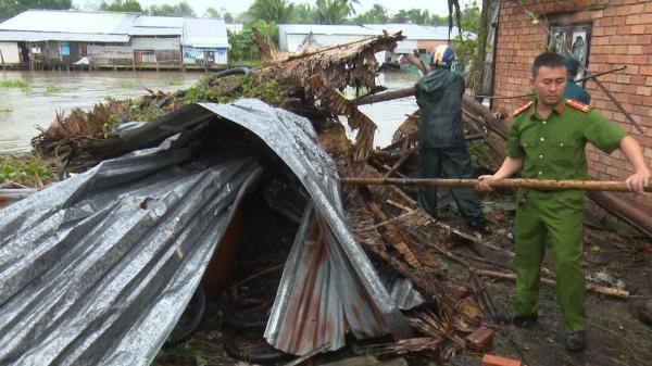 Hãi hùng cảnh tượng những mái nhà trơ trọi ở miền Tây khi bị dông lốc tàn phá