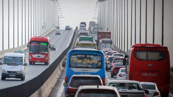 Cao tốc TP HCM - Long Thành khuyến cáo ôtô đi đường khác để tránh ùn ứ