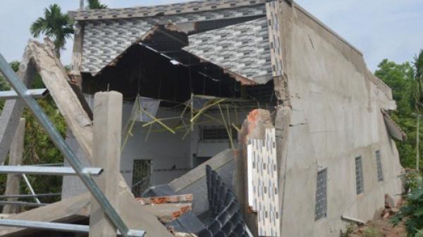 Miền Tây: Căn nhà 600 triệu vừa xây xong của ông lão 63 tuổi bất ngờ đổ sập