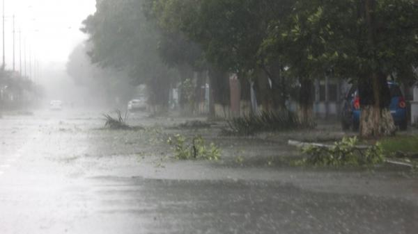 Dự báo thời tiết ngày 17/7: Bão giật cấp 10 di chuyển nhanh, mưa to khắp nơi