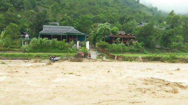 3 ngôi nhà bị lũ cuốn trôi, 18 hộ phải di dời tại huyện miền núi Nghệ An