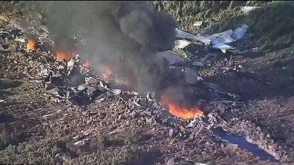 Đưa thi thể 2 phi công trong vụ rơi máy bay về nhà tang lễ: Những đứa trẻ khóc nấc gọi tên cha