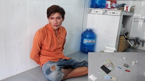 Trà Vinh: Bắt đối tượng tàng trữ ma túy đá trong phòng trọ