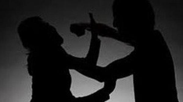 KINH HOÀNG: Chồng dùng dao đâm vợ chết tại chỗ ở Cà Mau