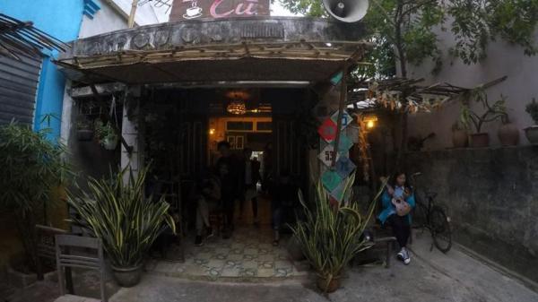 Độc đáo quán cà phê 'thời bao cấp' của chàng trai 9x Nghệ An