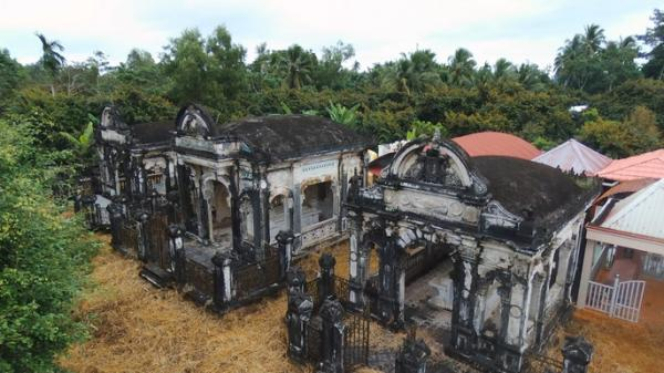 Bí ẩn khu mộ cổ đẹp như cung điện thu nhỏ ở miền Tây