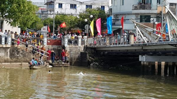 Miền Tây: Nữ sinh lớp 9 trầm mình xuống sông trước cổng trường vì bị mẹ mắng không phụ việc nhà