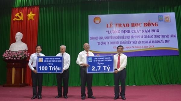 Trao học bổng cho học sinh, sinh viên nghèo tỉnh Sóc Trăng