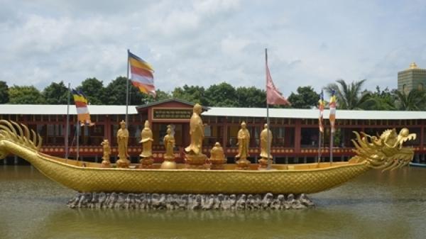 Lễ Vu lan vãn cảnh Chùa Phật Học 2 ở Sóc Trăng