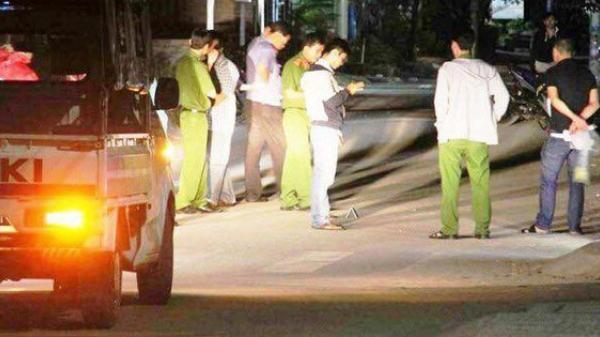 KINH HOÀNG: Thanh niên 9X bị đâm tử vong trước nhà nghỉ ở miền Tây