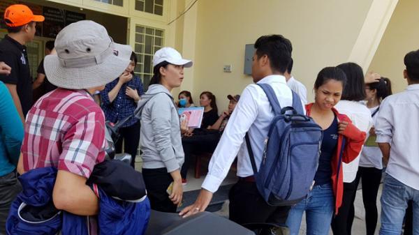 Hàng chục người dân ở miền Tây kéo đến trụ sở Công an tố công ty môi giới xuất khẩu lao động lừa đảo
