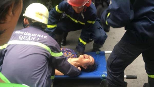 TP.HCM: Cháy nhà ở phố đi bộ Bùi Viện, 2 cụ già mắc kẹt trong đám cháy