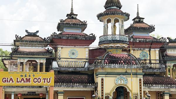 Kỳ bí ngôi chùa có hàng trăm pho tượng chỉ một nhà sư trông nom ở miền Tây
