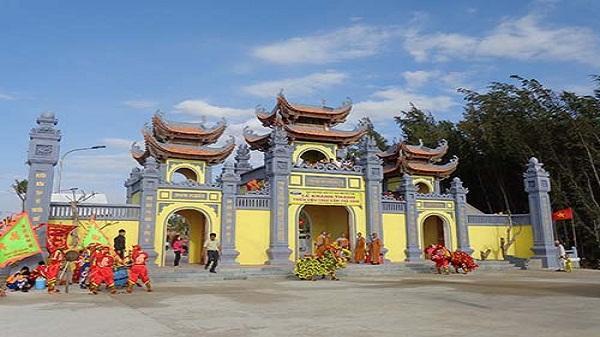 Tham quan Thiền viện Trúc lâm Trà Vinh