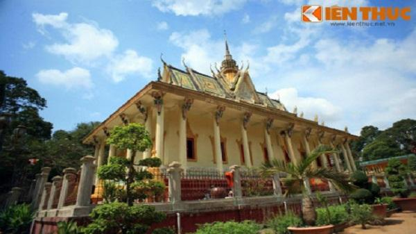 Ngắm chùa Hang cực độc của người Khmer Nam Bộ