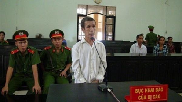 Trà Vinh : Giết bạn nhậu vì bị chê hôi hám, lĩnh 8 năm tù