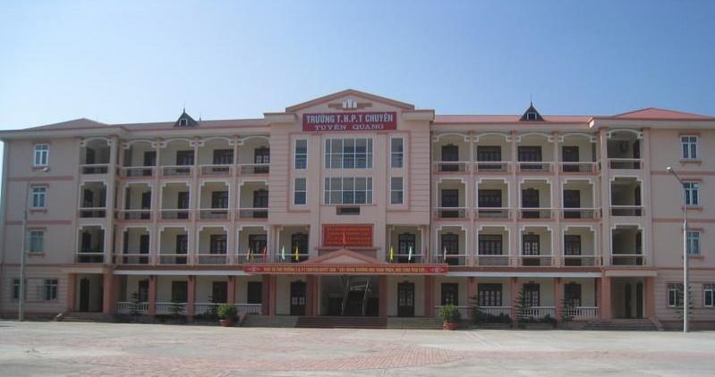 Chuyện 'ném đá' khoa học từ đề xuất cải tiến tiếng Việt vào đề Ngữ văn trường THPT chuyên Tuyên Quang
