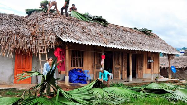 Chiêm Hóa, Hàm Yên: Mưa, gió lớn khiến 32 ngôi nhà bị hư hại