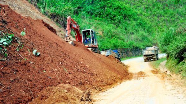 Hàm Yên - Tuyên Quang: Mưa lớn kèm gió lốc làm 16 nhà bị tốc mái