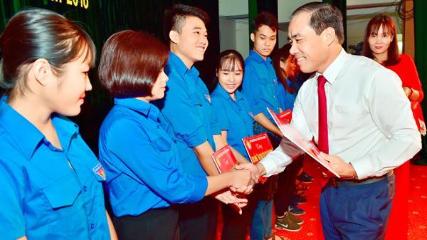 """Tuyên Quang: Trao học bổng """"Tân Trào tiếp sức đến trường"""" và tuyên dương học sinh, sinh viên vượt khó tiêu biểu"""