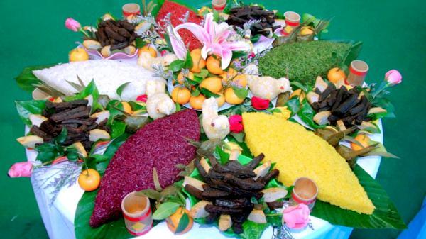 Đặc sắc món xôi 5 màu của đồng bào dân tộc Tày tỉnh Tuyên Quang
