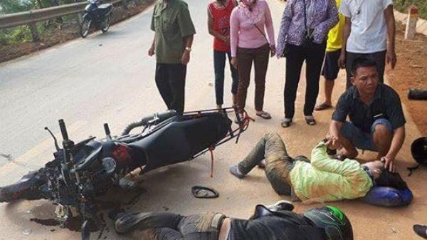 Tai nạn nghiêm trọng đoạn đường qua Hàm Yên (Tuyên Quang): Mô tô phóng nhanh va chạm xe khách lấn đường, chồng chết, vợ gãy chân