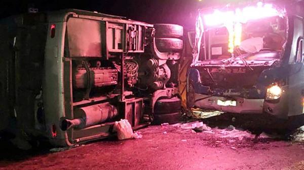 2 xe khách va chạm kinh hoàng trên quốc lộ khiến 14 người t.hương v.ong