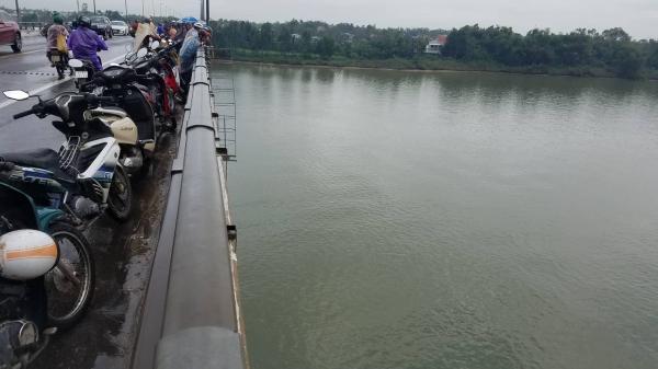 Xác minh nguyên nhân tài xế container quê Quảng Nam nhảy cầu t.ự t.ử trong đêm