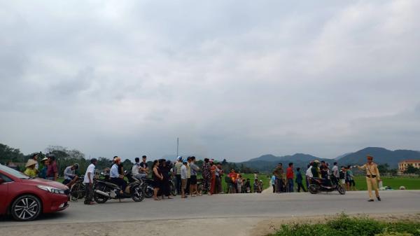 Hàng trăm cảnh sát đang vây ráp nhóm đối tượng buôn m.a t.úy ôm s.úng cố thủ
