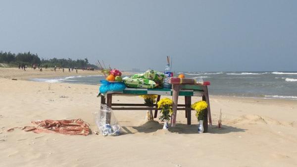 Quảng Nam:  Rủ nhau tắm biển, 3 học sinh thương vong